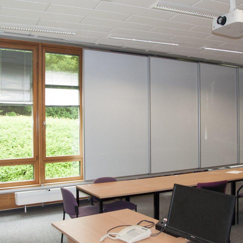 Universitätsklinikum Münster (UKM), Werkfeuerwehr - Schiebetafel-Anlage 9,60 x 3,00 m (B x H)