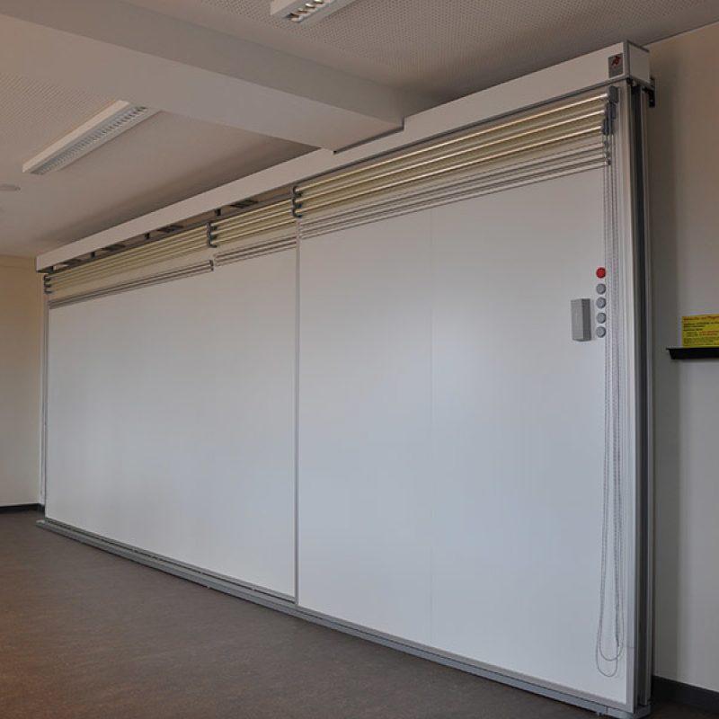 Schiebetafel-Anlage mit Rollfolienanlage