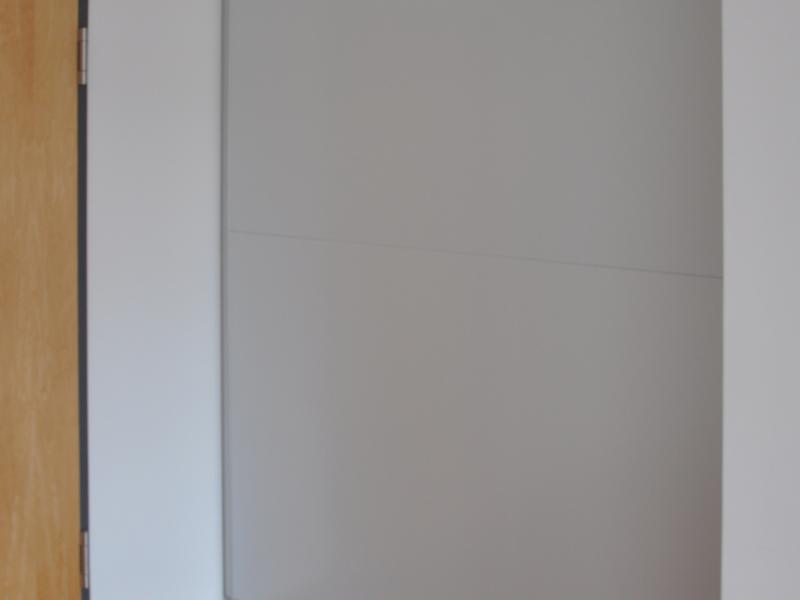 Wandtafelformat an Nischengröße angepasst